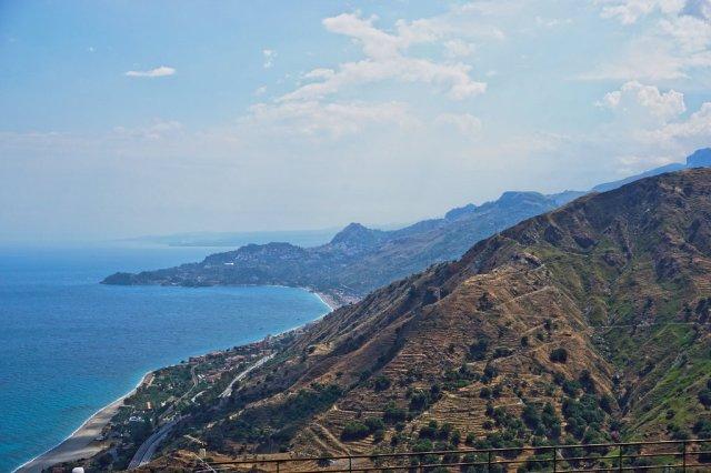 Taormina's Berge_lzn
